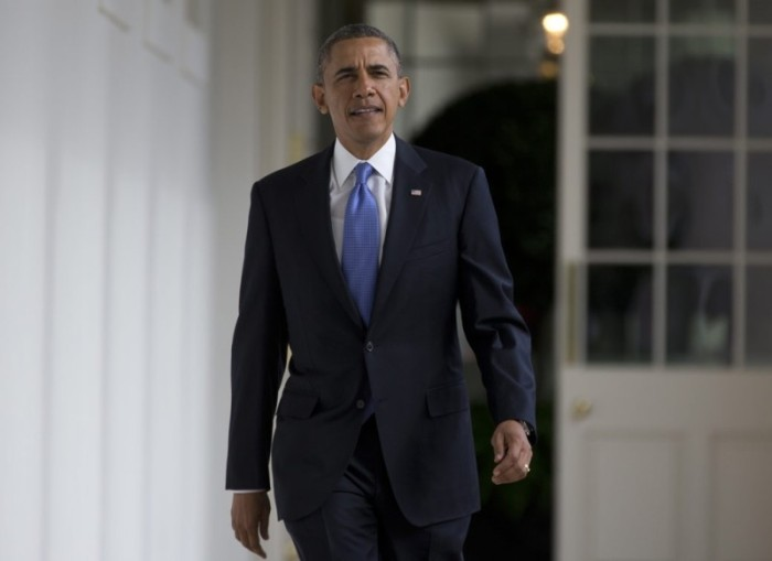 Barack-Obama-Navy-Blue-Suit-Blue-Checked-Tie